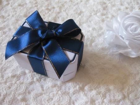 サテンリボンのサムシングブルーのリボン