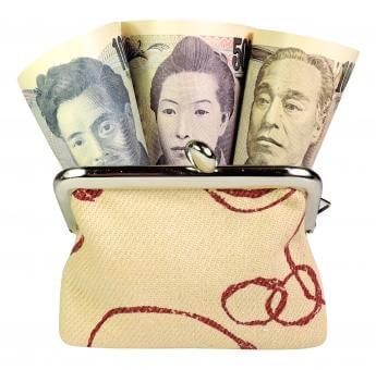 がま口財布から覗くお札