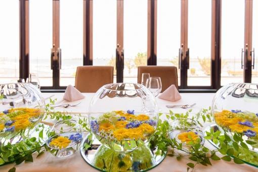 黄色いお花のメインテーブル