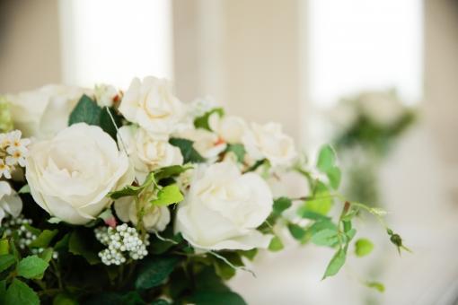挙式会場内のナチュラル装花