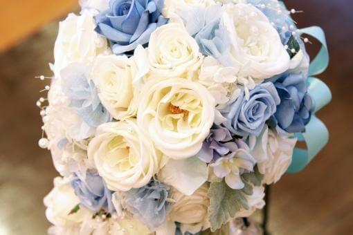 ブルーのお花が入ったブーケ