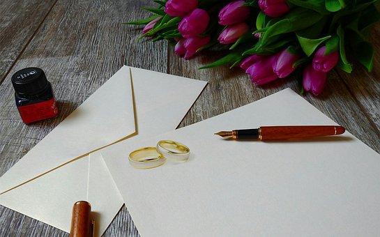 結婚指輪と招待状